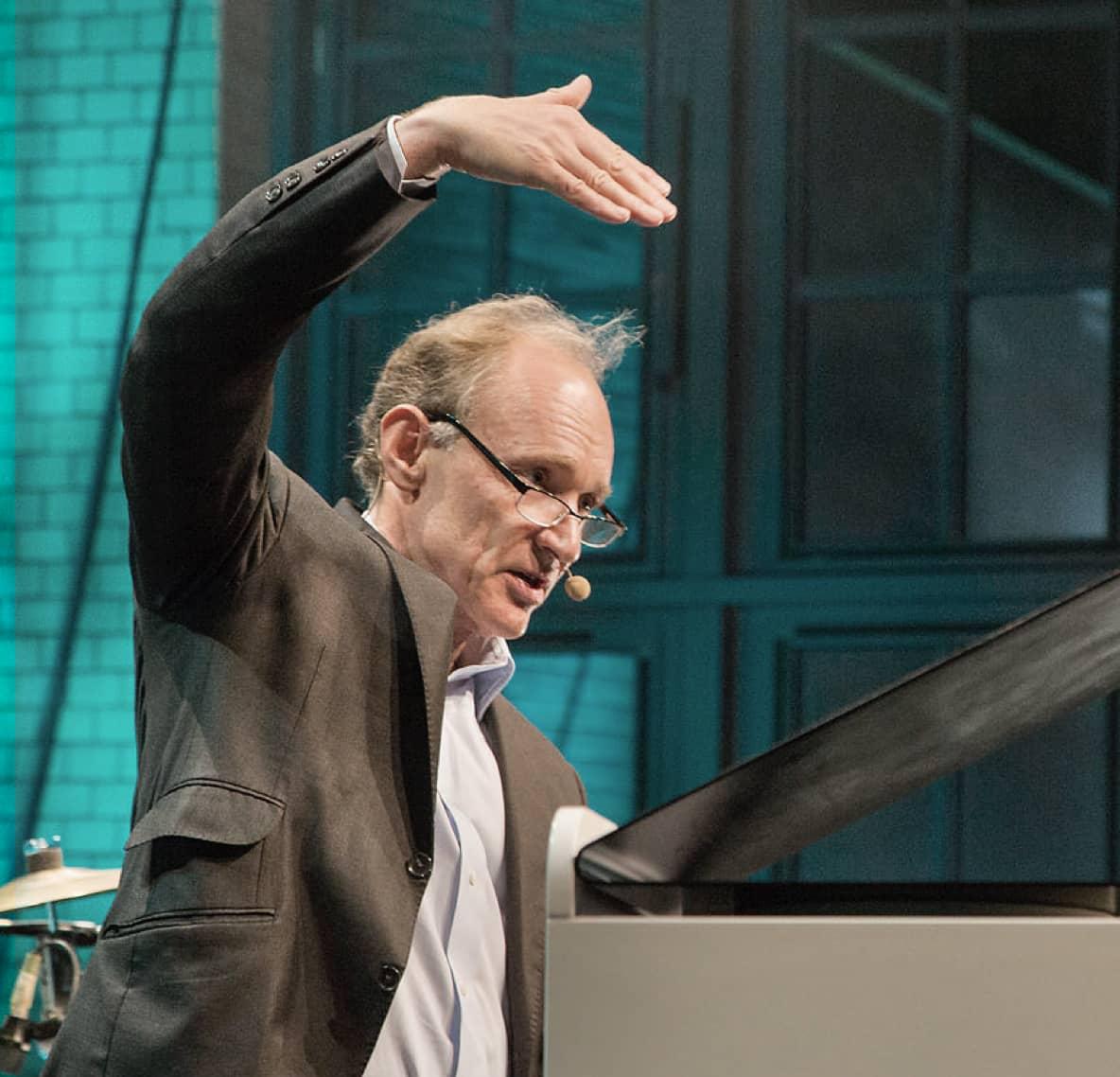Kenza creation launch event of Hewlett-Packard Enterprise EMEA immersive brand and customer experience speaker Sir Tim Berners Lee